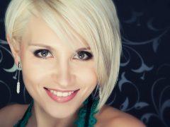 blonde profile pic